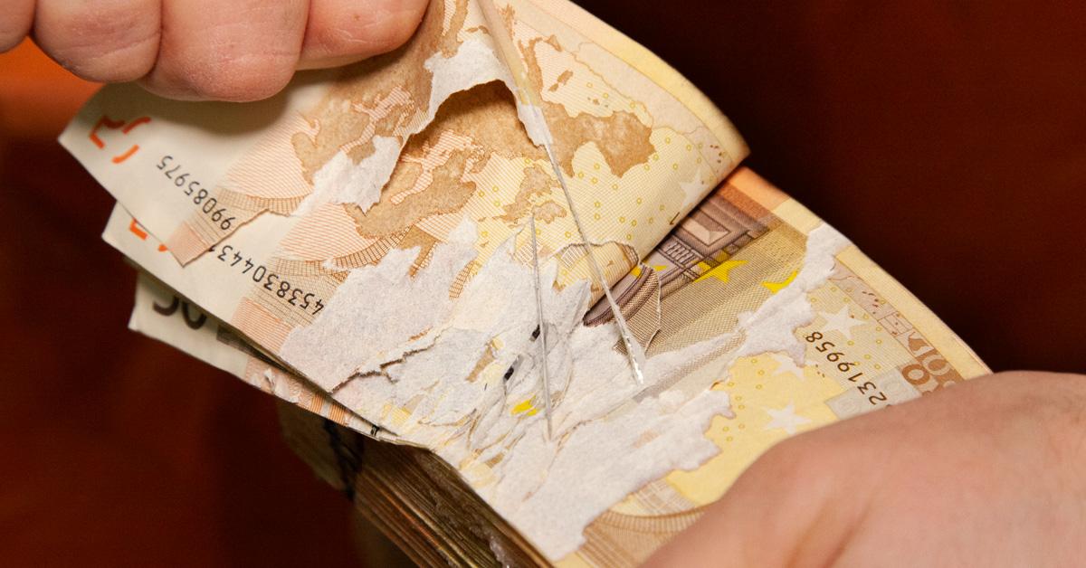 Cash degradation Glue